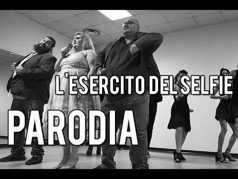 L'ESERCITO DEL SELFIE / L'ESERCITO DEI CHIATTI by I GRASSI SATIRI feat PALLA E CHIATTA