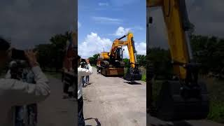 Pockland(excavator)accident during unloading from truck
