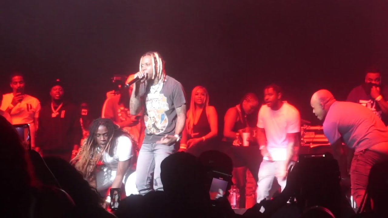 LIL DURK Stops Show for KING VON TRIBUTE By Rapping CRAZY STORY & Crowd Goes Insane!