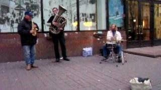 Джазмэны Крещатика и девочка в розовом(, 2009-11-02T12:48:57.000Z)