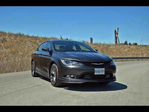 2016 Chrysler 200 S - Review