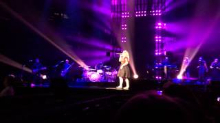 No One Else On Earth - Kelly Clarkson - Wynonna Judd cover Key Arena Seattle