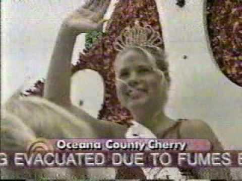 Oceana County Cherry Queen 1998 - Muskegon Summer Celebration Parade