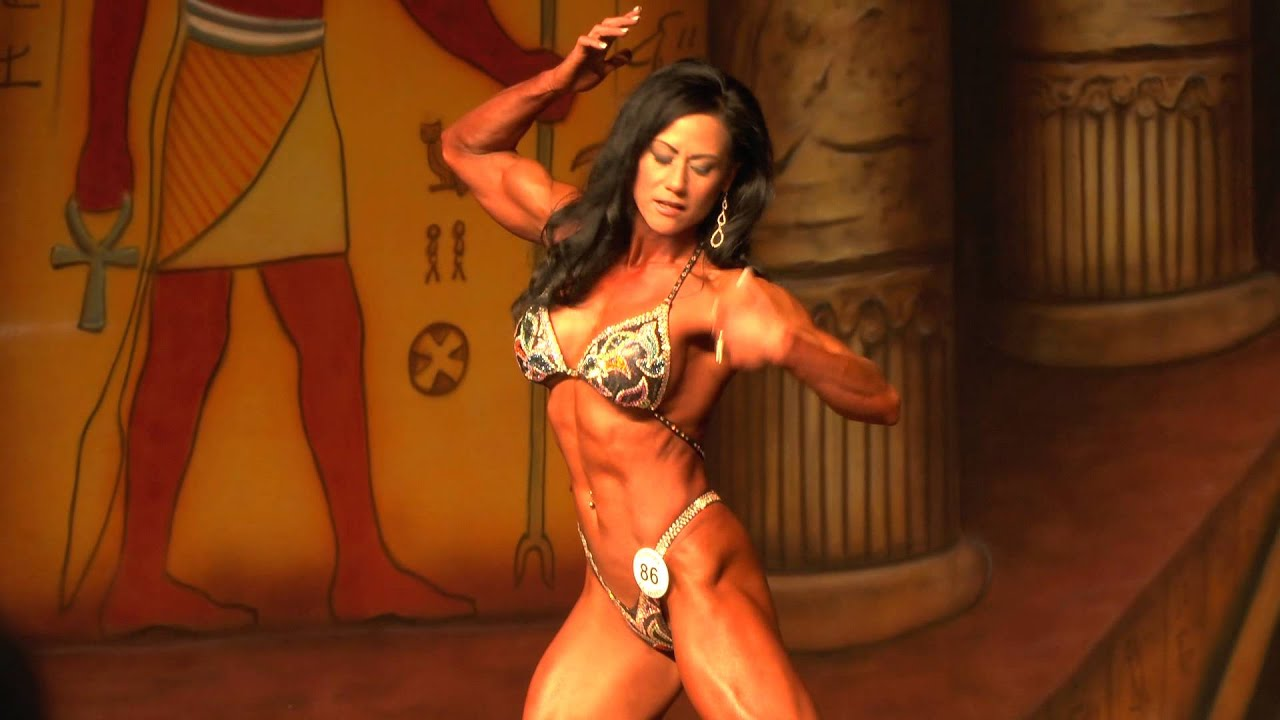 how to become an ifbb pro