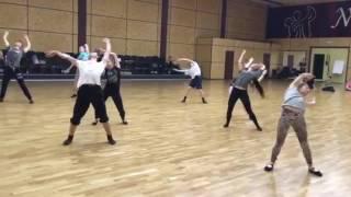 Урок современной хореографии.