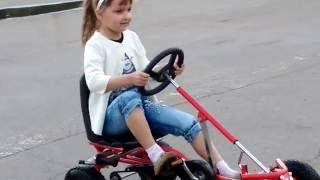 ❤✫🚙Детки любят катаются на Велокартах!❤✫🚙 Kids love to ride on cars(Настёна очень любит машины,квадроциклы, веломашины, четырёхколёсный велосипед и разную технику. И я смотрю..., 2016-06-05T06:05:53.000Z)
