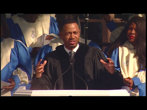 """Terrence """"J"""" Jenkins Delivers Keynote Address at the 2016 Dillard University Commencement"""