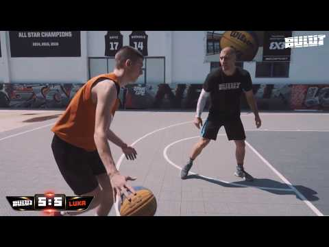 3x3 World champion vs. Fan - 1 on 1 streetball