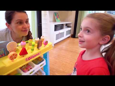 Alicia And Dolls Pretend Play Selling Ice Cream and other Fun Kids Food Toys
