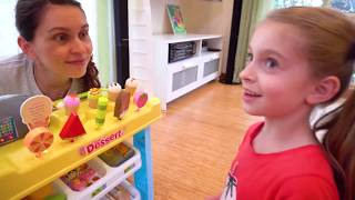 alicia and dolls playing selling ice cream and other fun food toys