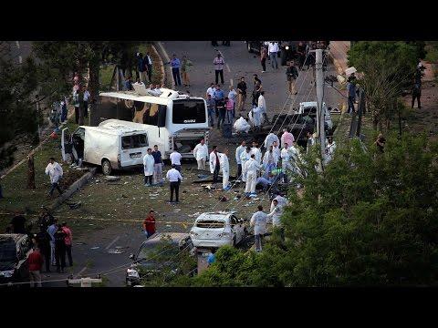 Somalia : Explosion near Mogadishu Airport, many feared dead   Oneindia News