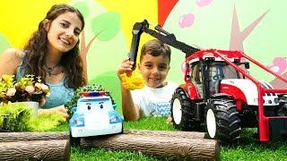 Robocar Poli Dağda Kalmış. İş Makineleri Yardım Ediyorlar