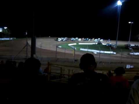 Sprint car feature at Lernerville Speedway August, 27, 2016 part1 (final points race)