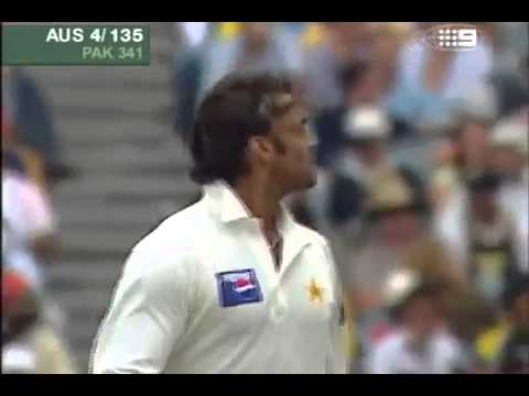 Shoaib Akhtar serious speed ends the test career of Darren Lehmann + Bill Lawry GOLD! x264