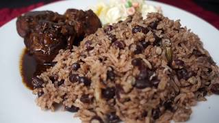 HOW TO COOK JAMAICAN RICE AND PEAS WITH HOME-MADE COCONUT MILK