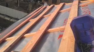 видео Монтаж кровли и фасадов: Вентиляция скатных крыш