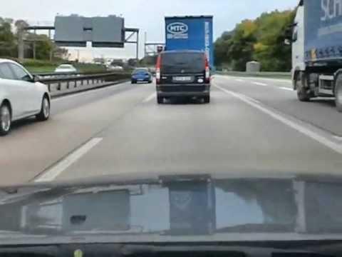 autobahn---spurwechsel---knapp-vorbei---sicherheitsabstand---010---bad-driver---germany