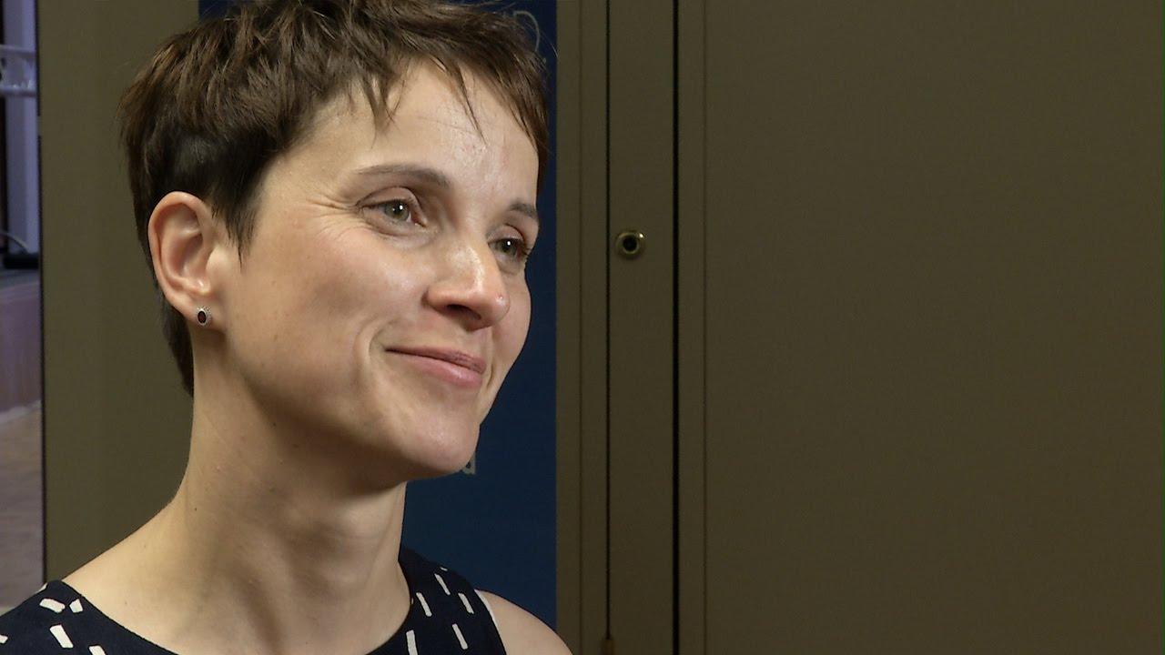 Frauke Petry frikänd från bedrägeri, men fortsatt