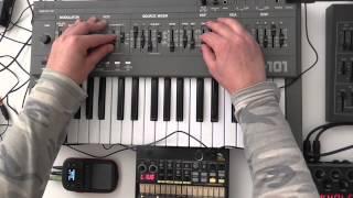 Roland SH 101 / Volca Beats - Minimal Bass Jam ( Love )
