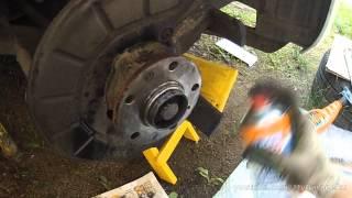 Замена тормозных колодок и дисков Jetta 6 (1,6, 280мм)