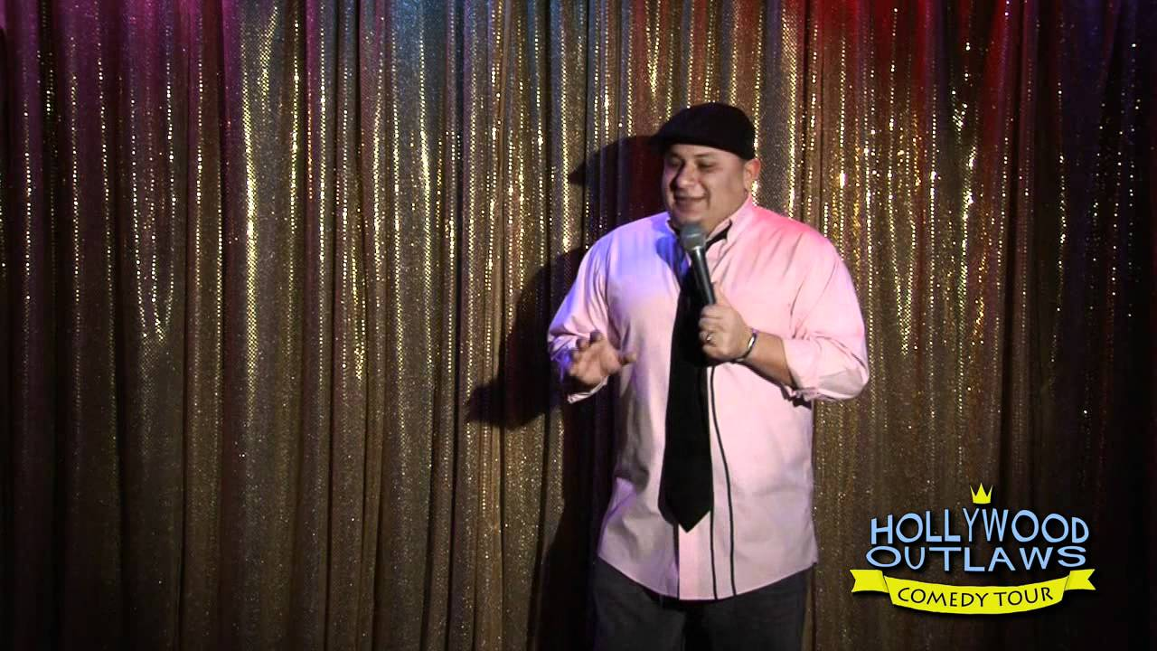 Comedian cisco clemente talks about watching porno youtube - Cizco porno divano ...