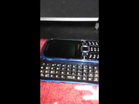 How to slide the keypad out of a samsung intensity 2