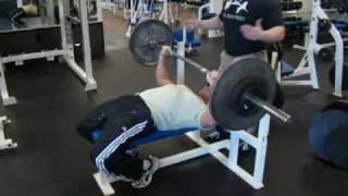 bodyweight bench press workout trainer female bodybuilder justine dohring trainer b chavez