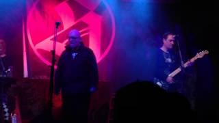 18 Summers / Silke Bischoff - 01 - Under your skin (live MB Leipzig 16.11.2012)