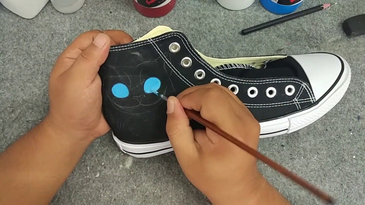 555a2c012192 How to paint your own canvas shoes Converse All Star Hand Painted Shoes -  YouTube