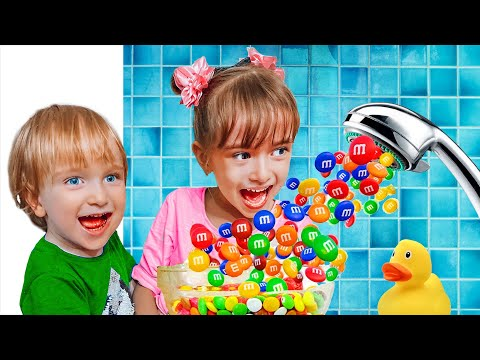 Настя Женя и мама веселые соревнования и волшебный душ