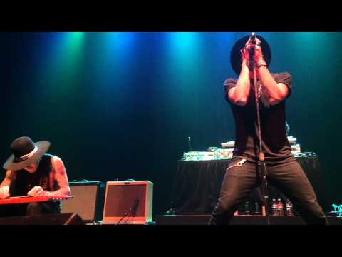 Yelawolf - catfish billy live from YouTube · Duration:  3 minutes  · 149 views · uploaded on 11/16/2014 · uploaded by Mikey B