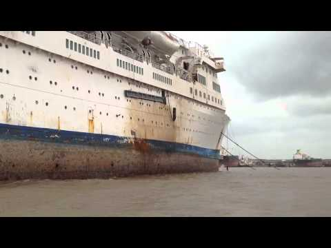 Emerald at Alang Ship-Breakers