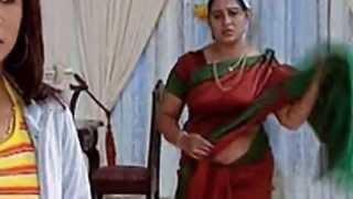 Repeat youtube video Mallu Serial actress exposer