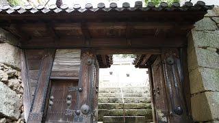 Фото слайд-шоу Замков. Замок Химэдзи (Himeji Castle) в Японии. Ворота(Замок Химэдзи. Красивое слайд шоу из фотографий с музыкой. Примеры, образцы видео. Замок белой цапли. Самый..., 2014-08-16T19:59:33.000Z)