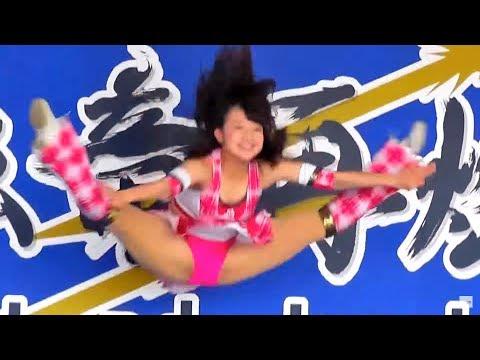 チアドラゴンズ向井沙苗ちゃん 高さ180センチの開脚ジャンプ