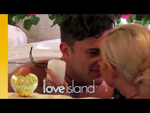 Amy and Curtis Get Steamy in the Hideaway  Love Island 2019