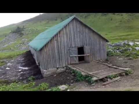 Viata la stana Cascada Cailor (muntii Rodnei) - video IX 2016