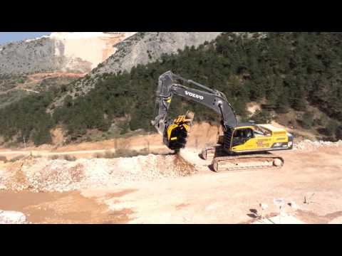 The first MB crusher bucket BF 135 10 in Turkey crushes marble in Bilecick quarry