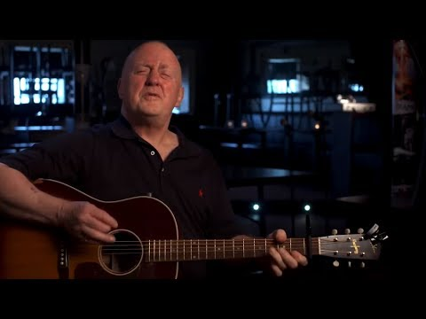 Christy Moore performs Fairytale of New York | The Story Of A Christmas Classic | RTÉ One