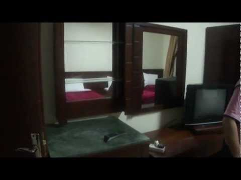 Rahat Deluxe Hotel Madina - Rooms and Environment