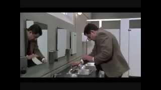 مستر بن في الحمام .مضحك