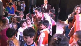 Karishma Kapoor Cheers School Kids