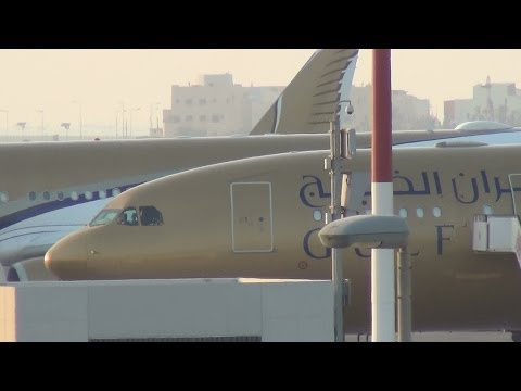 Take-offs, Landings and Static aircrafts at Bahrain International Airport