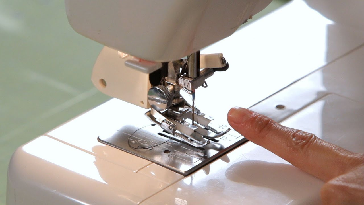 How to Use a Walking Foot Attachment | Sewing Machine - YouTube : singer quilting foot - Adamdwight.com