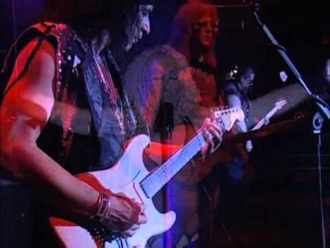 Twisted Sister - Live At The Astoria 2004 (Full Concert)