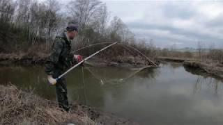 Рыбалка на паук подъёмник в малой реке
