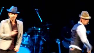 "Jordan Knight & Nick Carter -""Deja Vu"" boston 10/8/14"