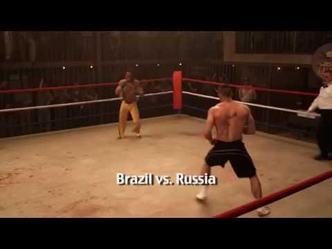 Capoeira VS MMA fighter (fight Brazil vs Russia)