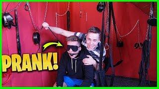 S*X ZIMMER ROOM PRANK 😏 | Max und Chris