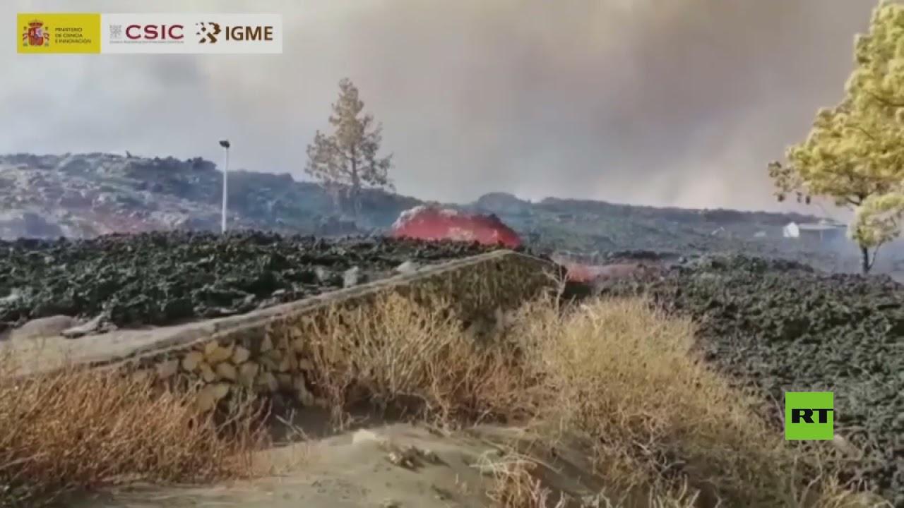 لقطات جديدة تظهر حمما بركانية تجر أحجارا ضخمة في جزيرة لا بالما  - نشر قبل 3 ساعة